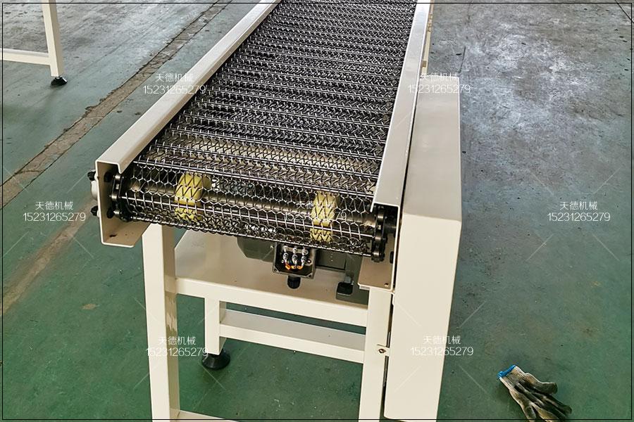 耐热金属托盘人字型网带输送机...